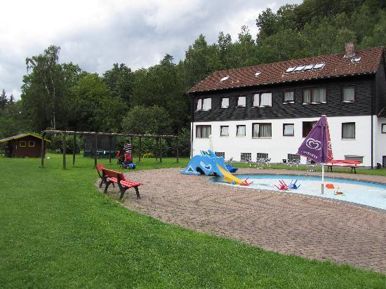 Hotel im Tannengrund - outside play area