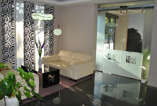 Hotel Jarun: Nice, clean and fresh looking