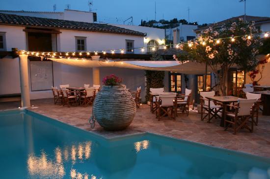 bratsera hotel hydra greece