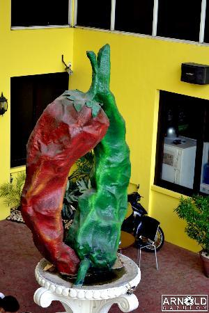 Pepperland Hotel: Giant pepper at the facade of the hotel