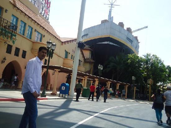 ยูนิเวอร์ซัล สตูดิโอ สิงคโปร์: Universal Studio