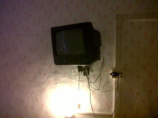 Ferton Hotel: TV analogica non funzionante.