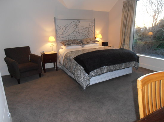 Silverstream Lodge: Spacious, very comfortable bedroom