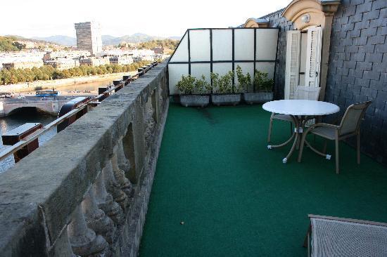 Hotel Maria Cristina, a Luxury Collection Hotel, San Sebastian: Terrace off suite