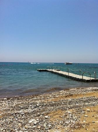 Columbia Beach Resort Pissouri : beach and jetti