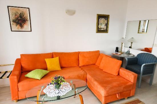 Villa Ana: spacious living area