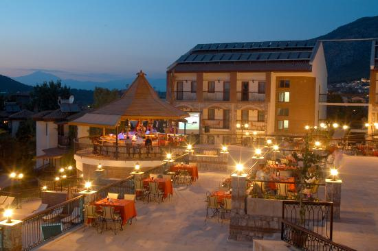 Orka Club Hotel & Villas: Main Bar