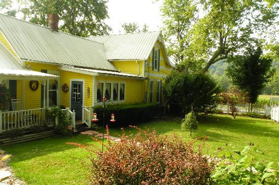 1875 Homestead Bed and Breakfast 사진