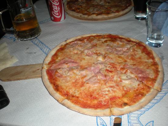 Pizzeria La Barcaccia: La Pizza
