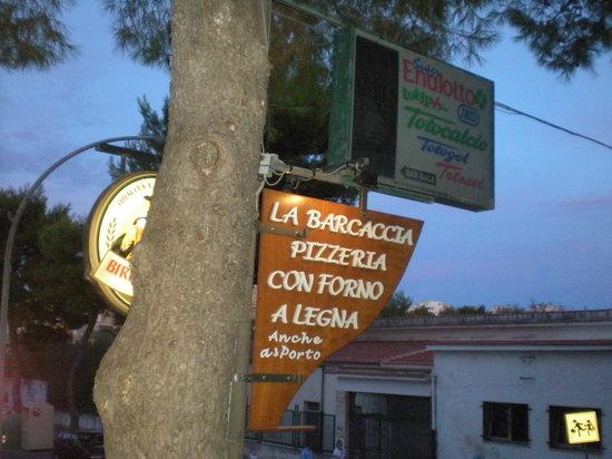 Pizzeria La Barcaccia: l'insegna