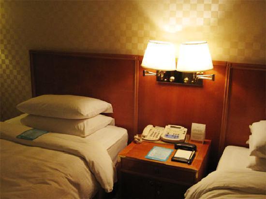 Hotel Nongshim: ツインベッドの部屋