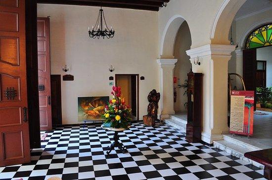 Hotel del Tejadillo: lobby