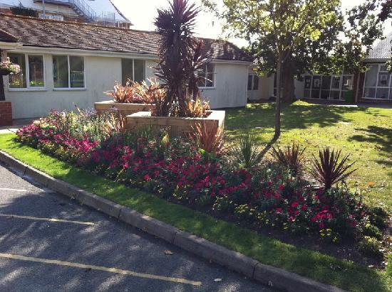 Bembridge, UK: Planting at entrance