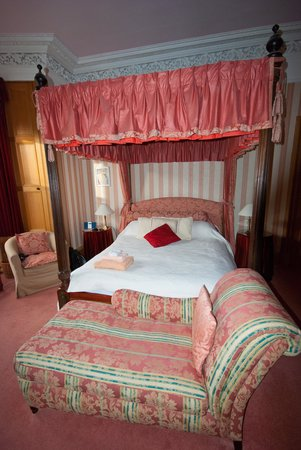 Teviotdale House: Very comfortable bed