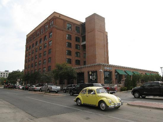 The Sixth Floor Museum at Dealey Plaza: The former Texas School Book Depository, now the Sixth Floor Museum
