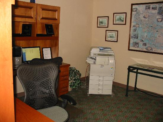 Hilton Garden Inn Chesapeake/Greenbrier: Business Center