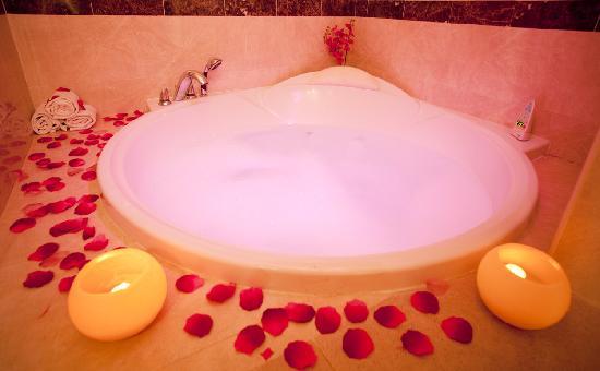 Hotel Maya Alicante: Jacuzzi Suite