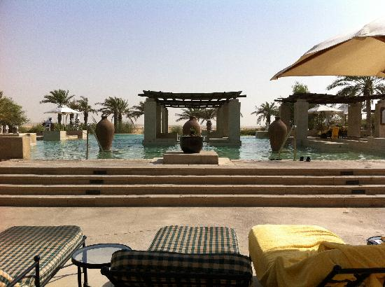 Bab Al Shams Desert Resort & Spa: Amazing pools .......