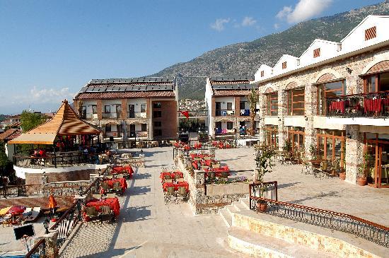 Orka Club Hotel & Villas: Restaurant and Main Bar