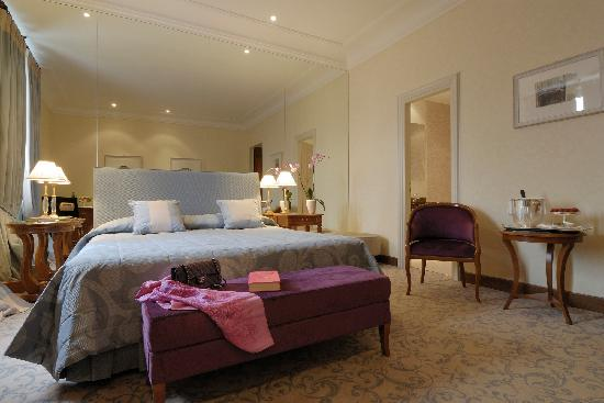 Aldrovandi Villa Borghese : Luxurious Room