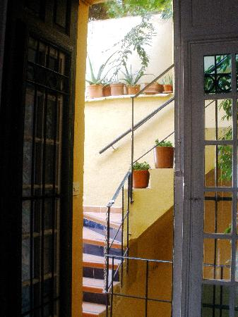 Villa Alicia Guest House: balcony