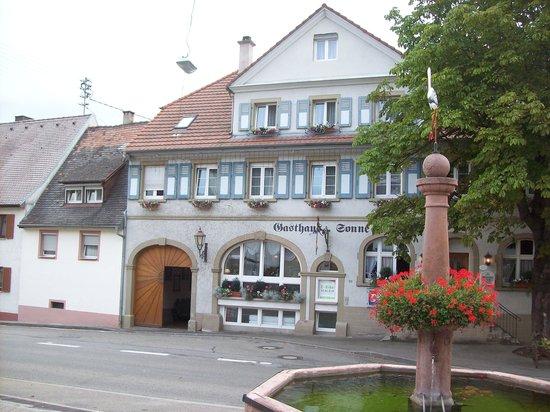 Ihringen, Γερμανία: Gasthaus Zur Sonne Wasenweiler