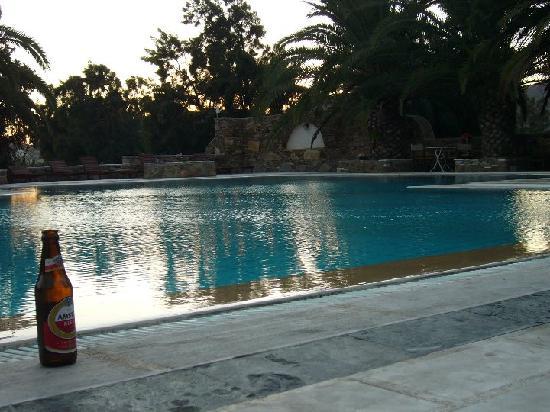 piscina del armadoros hotel
