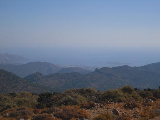 Lito Hotel: view to Agyos Nicolaos from the mountains