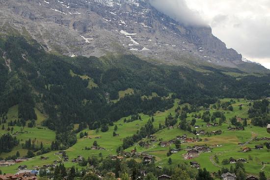 Jungfrau Lodge Swiss Mountain Hotel: Balcony view