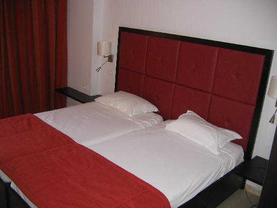 Tres belle chambre moderne et confortable aucun bruit for Chambre tres moderne