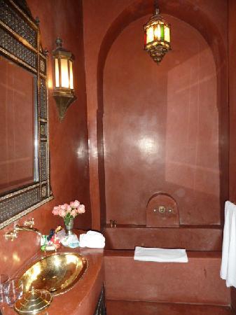 Riad Samarkand: Isfahan bathroom
