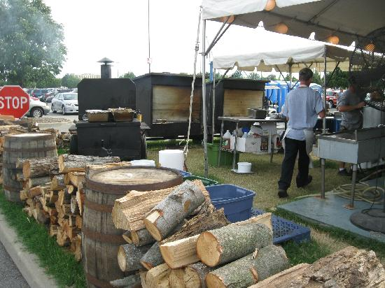 Kentucky Fair and Exposition Center : Outdoor BBQ is the best!