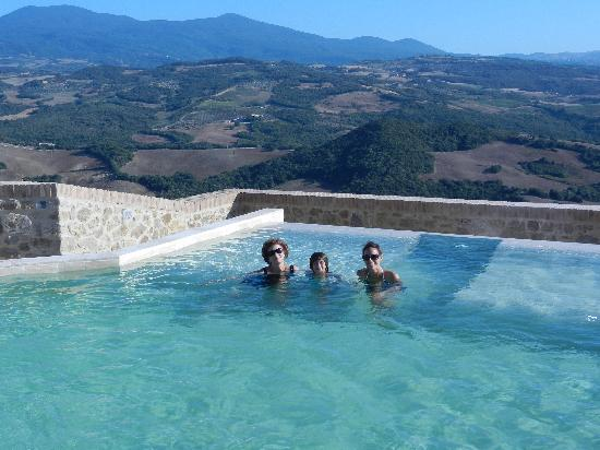 Castello di Velona Resort, Thermal Spa & Winery: gorgeous pools