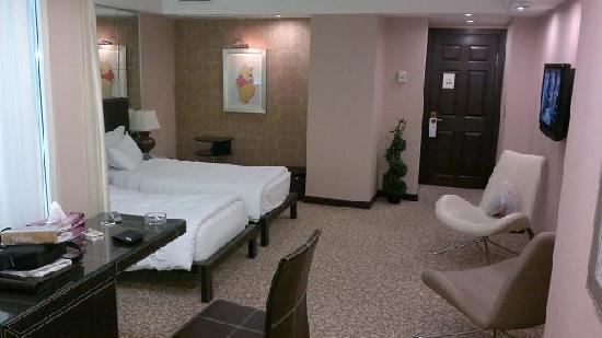 Cartoon Hotel: room 125 ( deluxe )