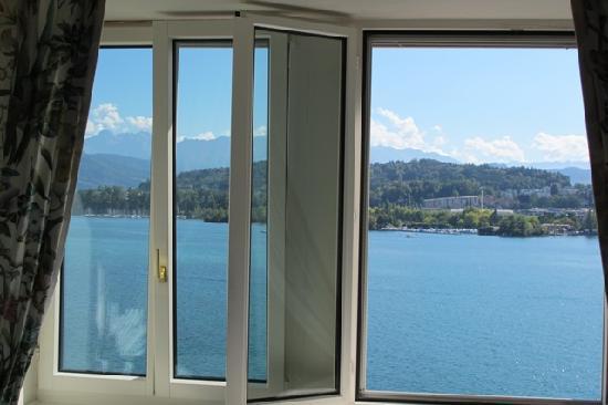 Palace Luzern: Romm's view with window