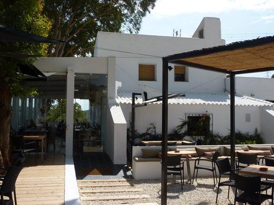 Venta Garcia : Entrance / outside seating area