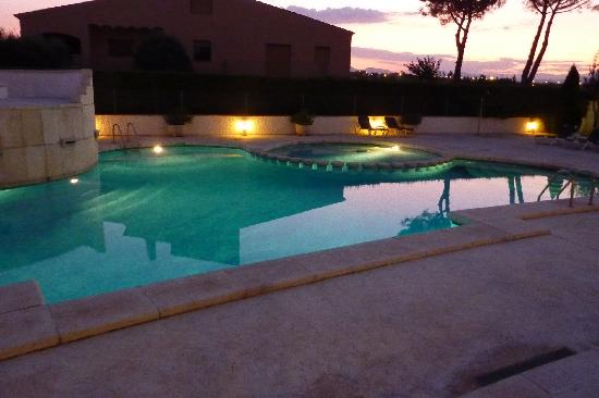 Hotel Restaurant Bon Retorn: piscina