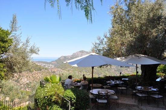 Ca's Xorc Restaurante: View from Cas Xorc to Soller