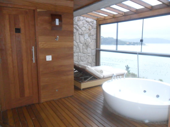 Ponta dos Ganchos Exclusive Resort: Sauna & jacuzzi in room