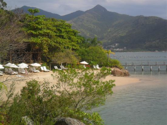Ponta dos Ganchos Exclusive Resort: Paradise beach