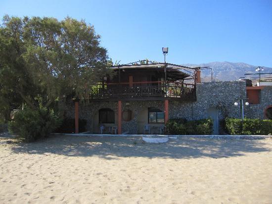 Mare Monte Beach Hotel: Ch 603-604 sous le bar
