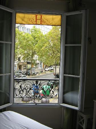 Hotel Motte Picquet: View from our corner window