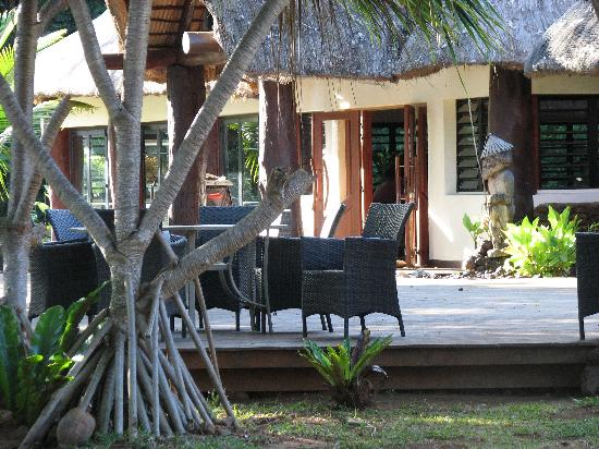Kanua Tera Ecolodge: Outdoor dining area.
