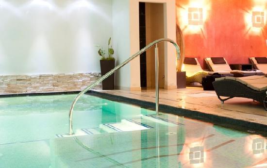 Hotel Medil Campitello: piscina