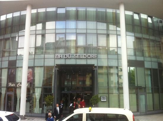 NH Düsseldorf City: L'ingresso.