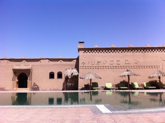 Kasbah Hotel Tombouctou: PISCINA Y SPA