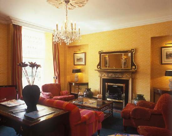 Pembroke Townhouse: Why not help yourself to tea/coffee and homemade cookeis from the larder in our drawing room?...