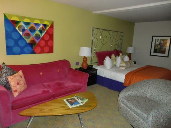 Inn at Northrup Station: Retro furnishings