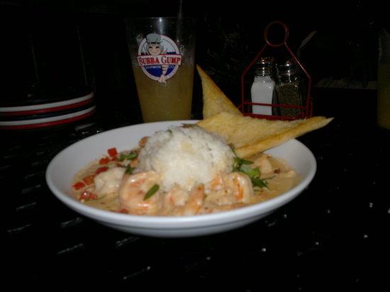 Bubba Gump Shrimp Co. : Mi platillo camarones con chipotle y pan de mantequilla :D