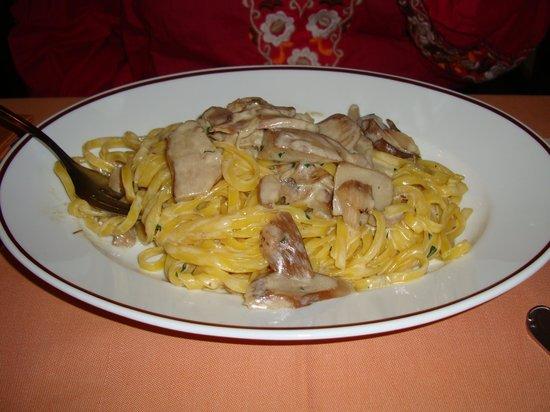Alla Rampa: Mashroom spaghetti